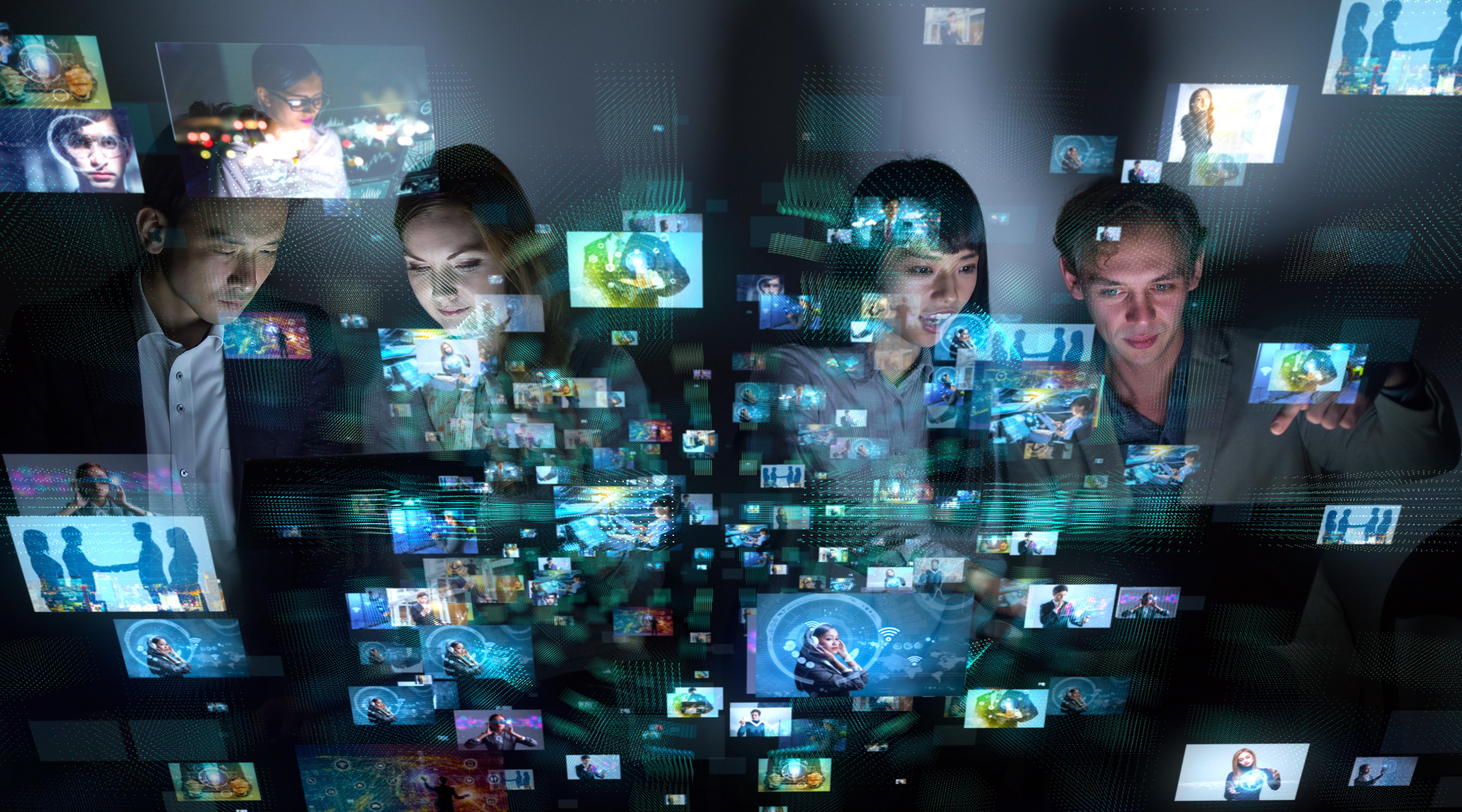 静止画と動画が散らばっている