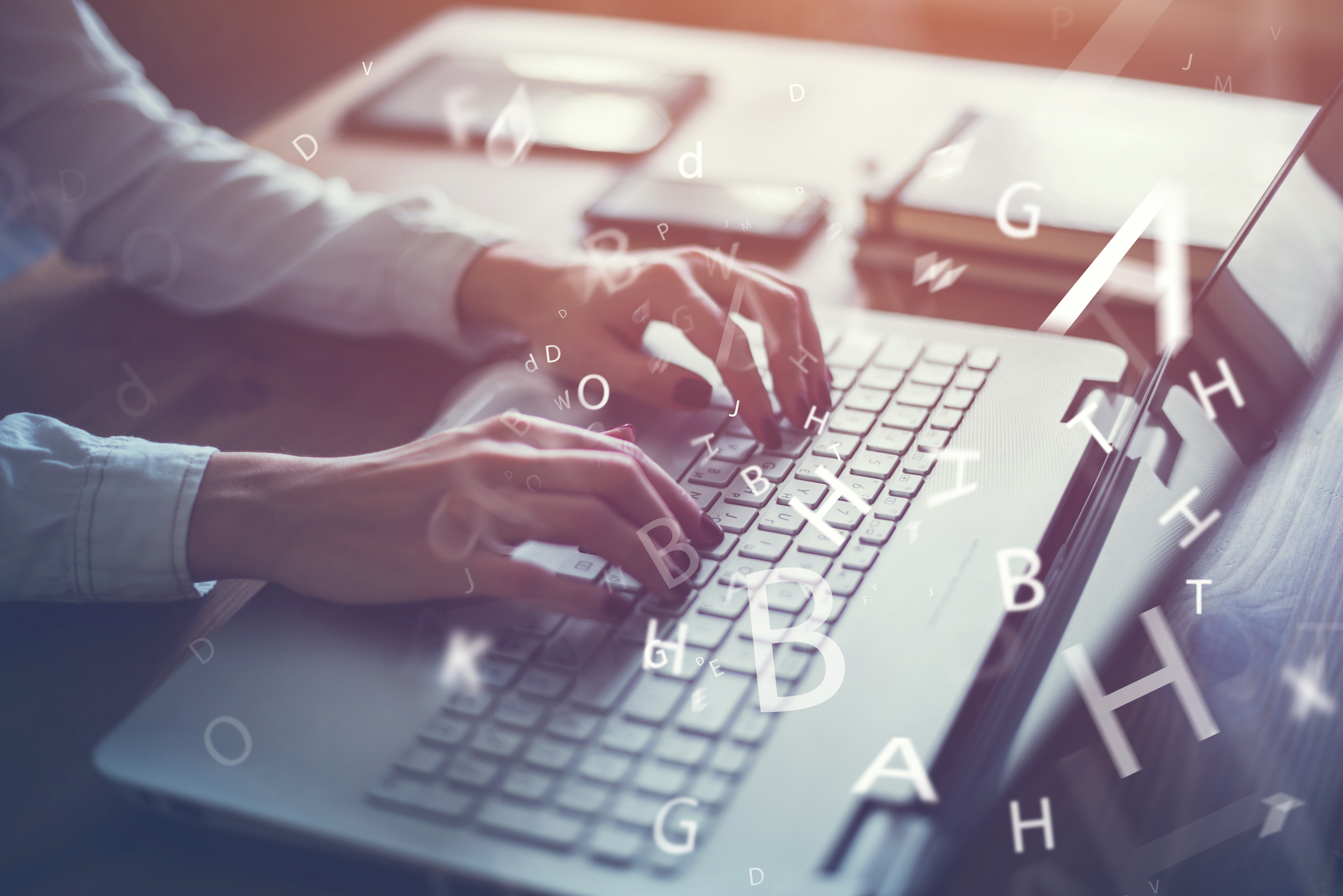 Webライティングをする女性ライター