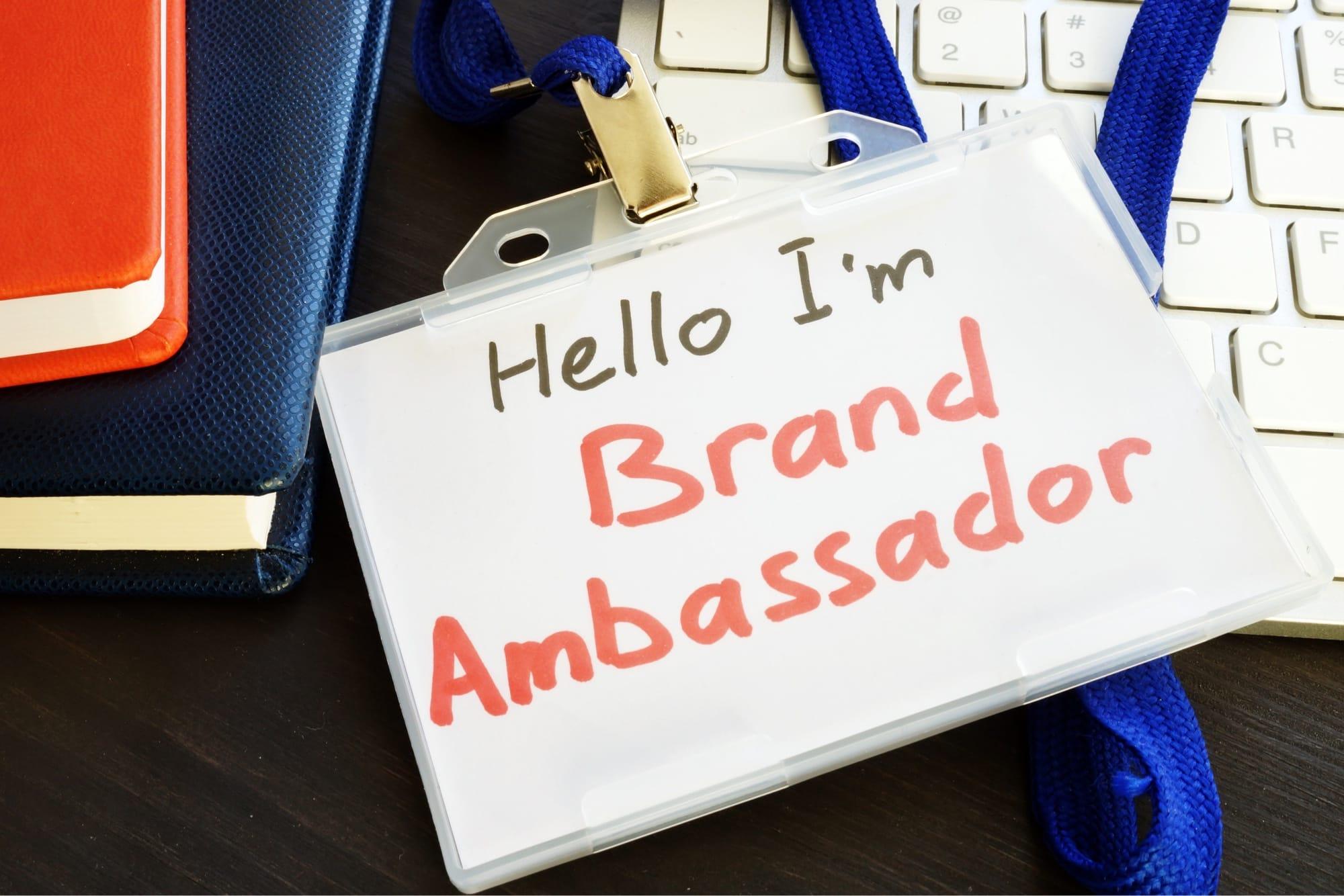 Hello I'm Ambassadorと書かれた名札