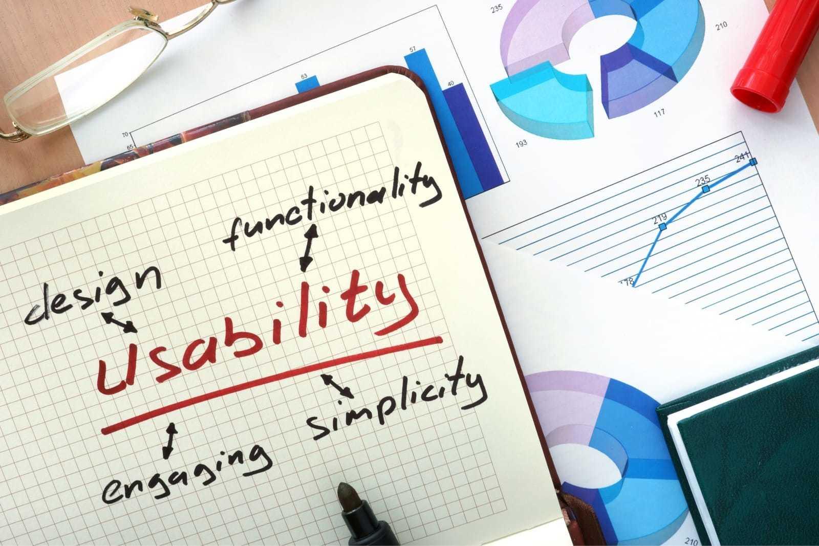 「usability」と書かれたノート