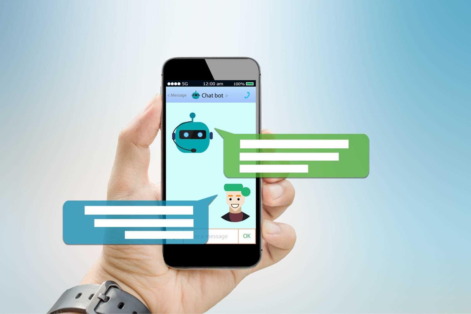 スマートフォンでチャットボットと会話する様子