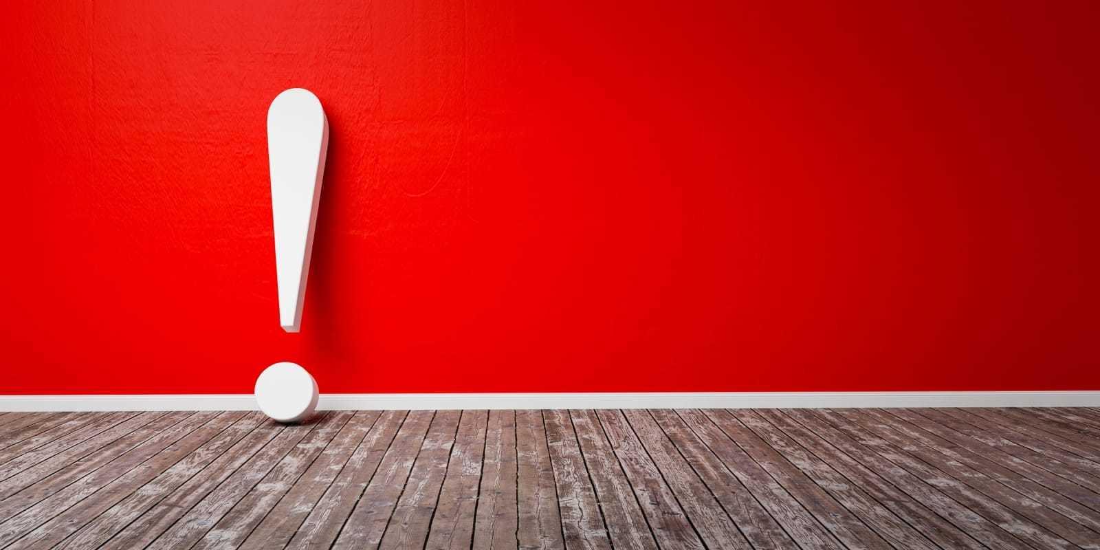 赤い背景と白い感嘆符