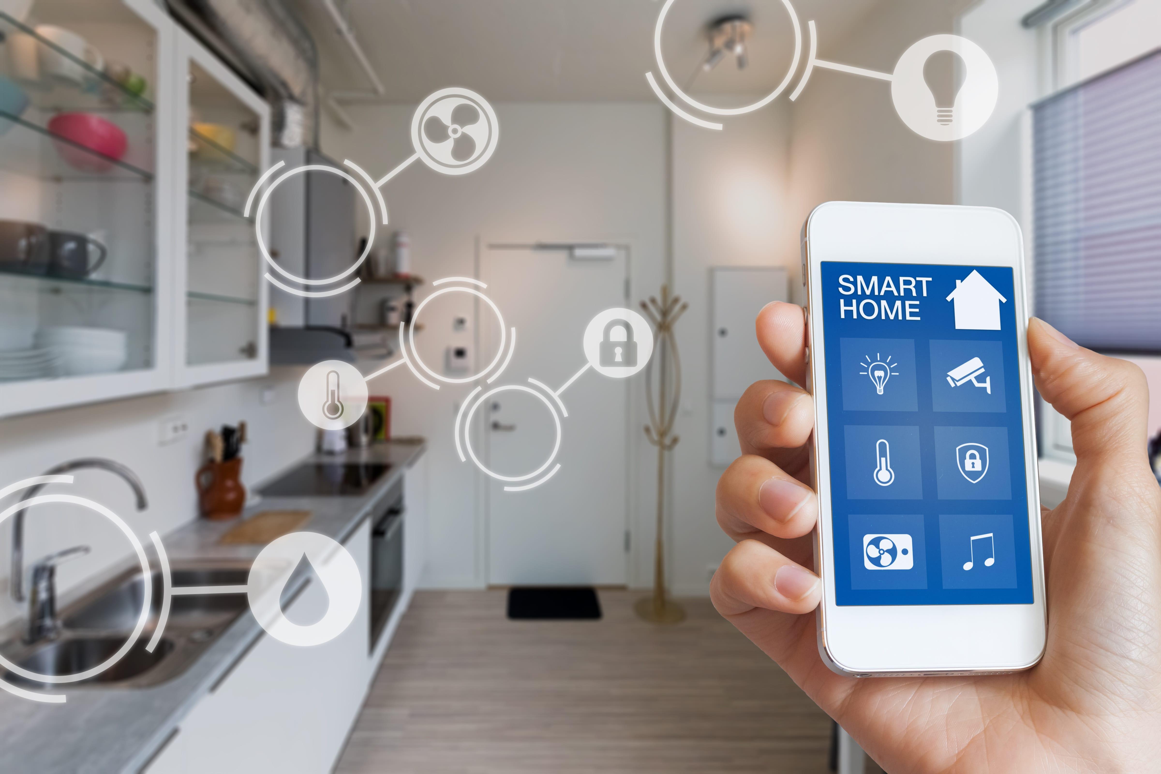 スマートフォンで家電を操作するイメージ