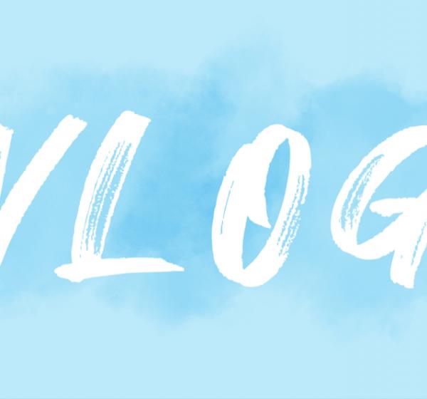 手書き風フォントで書かれたVlogのテキストイメージ