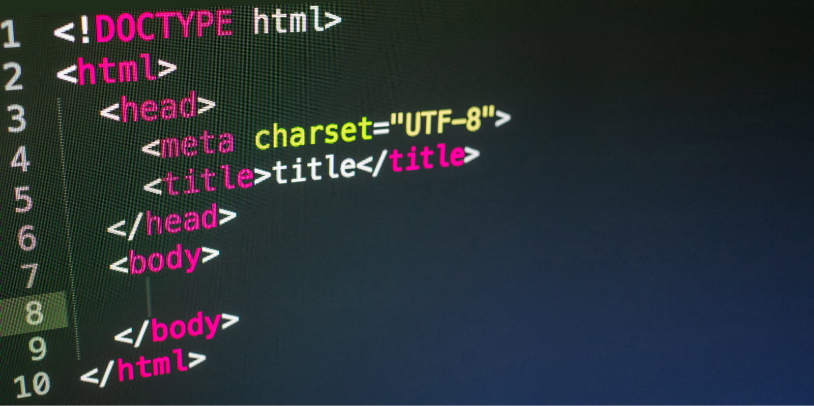 HTMLコードがクローズアップされている様子