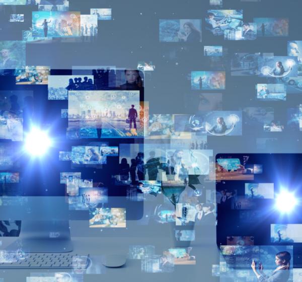 PCと、浮かび上がる複数のインターフェースのイメージ